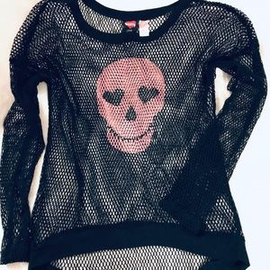 Skull Candy Mesh Oversized Highlow Top
